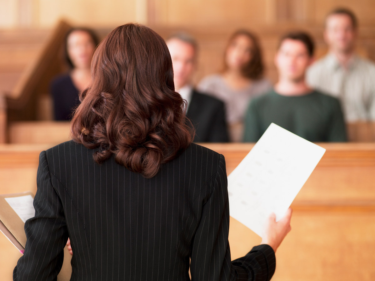 Lawyer-Addressing-Jury-GettyImages-104821087